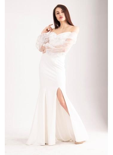 Belamore  Beyaz Krep Yıldız Baskılı Yırtmaçlı Abiye&Mezuniyet Elbisesi 1301615.15 Beyaz